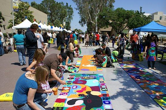 Circle Painting ở California